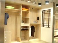 富诺亚定制衣柜门用什么材料最好?选择板材要注意什么?