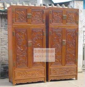 选择东美红木定制衣柜还是木工打衣柜?