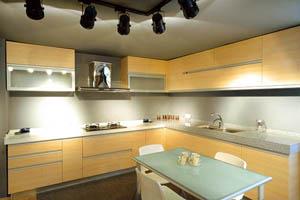 莫坎尼定制橱柜有什么优点?定制橱柜台面厚度是多少?